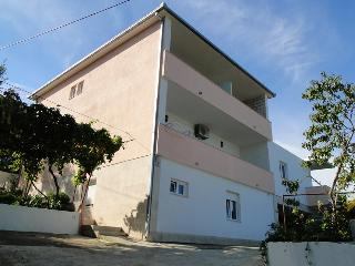Cozy 2 bedroom Arbanija Apartment with Internet Access - Arbanija vacation rentals