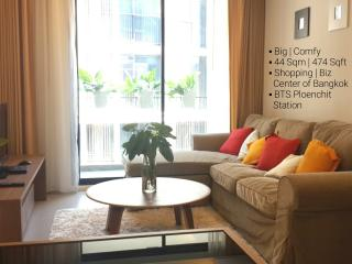 New+Big 1 BR | Central BKK | BTS Ploenchit Station - Bangkok vacation rentals