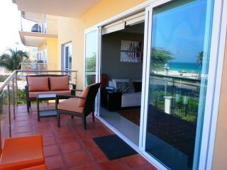 Majestic View Three-bedroom condo - E221 - Eagle Beach vacation rentals