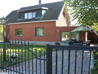 Art Holm Family Villa Homeaway Comfort Suite - Malmö vacation rentals