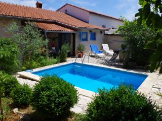Charming holiday house with private pool - Rakalj vacation rentals