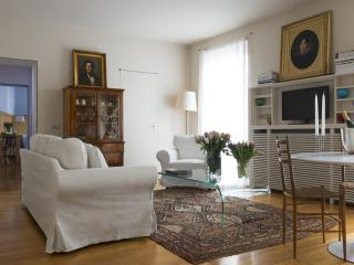 LUXURY APARTMENT IN DUOMO AREA (SMP) - Milan vacation rentals