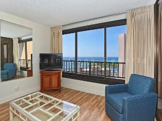 1-bedroom with full kitchen, marina view, washer/dryer, AC, WiFi and parking! - Waikiki vacation rentals