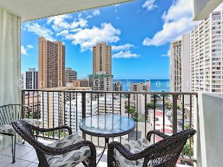 Relaxing Ocean Views and central A/C; 5 min. walk to beach. Sleeps 4. - Waikiki vacation rentals