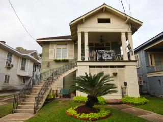 CHARMER ! AUG & SEPT Mon-Thurs $200 p/n 3 nights - New Orleans vacation rentals
