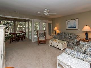 89 Fairway Ln- 5 minute Walk to Beach! - Hilton Head vacation rentals