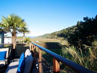 Beautifully Finished 2 Bed w/ Mountain Views - Stinson Beach vacation rentals