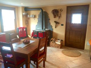 Appartamento in baita di montagna - Introd vacation rentals