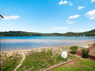 Spacious 4 bedroom House in Booker Bay - Booker Bay vacation rentals