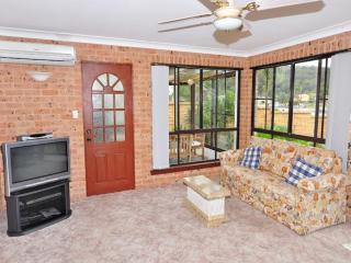 Perfect 3 bedroom House in Empire Bay - Empire Bay vacation rentals