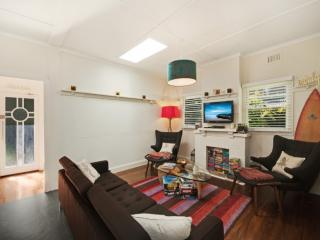 Charming 2 bedroom House in Pearl Beach - Pearl Beach vacation rentals