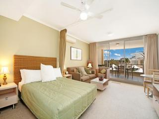 Beautiful 1 bedroom House in Ettalong Beach - Ettalong Beach vacation rentals