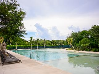 NEWLYWEDS, 1 Bedroom Condo In Private Resort - Playa del Carmen vacation rentals