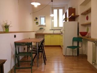 Appartamento Centro Storico Parma - Parma vacation rentals