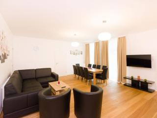 Vereins Grand Comfort apartment in 02. Leopoldstadt with WiFi, balkon & lift. - Vienna vacation rentals