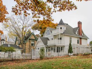 Downtown Victorian on Lake Mendota - Madison vacation rentals