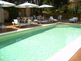 Beautiful villa with saline pool for 7 guests - Sils vacation rentals