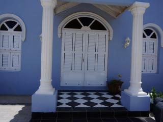 Santa Lucia Luxury Home In The Heart Of Aruba - Santa Cruz vacation rentals