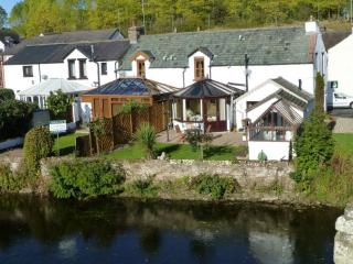 RIVER COTTAGE, Eamont Bridge, near Ullswater - Eamont Bridge vacation rentals