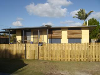 BONEANZA Pet Friendly Holiday House - Urangan vacation rentals