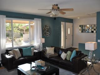 5 Minutes to Old Town- Contemporary 4bd/2bth Home! - Scottsdale vacation rentals