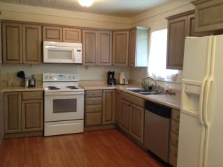 3 bedroom House with Internet Access in Waveland - Waveland vacation rentals