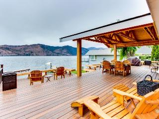Lovely lakefront home w/ room for up to 10! - Chelan vacation rentals