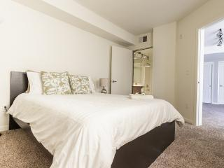 Nice Condo with Internet Access and A/C - Santa Monica vacation rentals