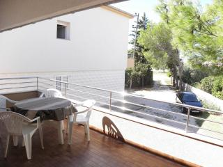 Romantic 1 bedroom Nin Apartment with Television - Nin vacation rentals