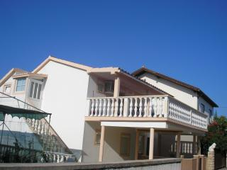 Cozy 2 bedroom Condo in Nin - Nin vacation rentals