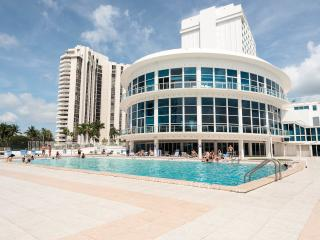 MIAMI BEACH OCEAN FRONT APARTMENT WITH A BALCONY - Miami Beach vacation rentals