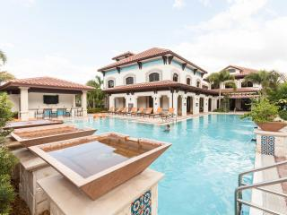 Resort-Style Condo:  Pool, Hot Tub, Gym - Sleeps 7 - Miramar vacation rentals