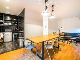 CHEMIN VERT 2 Loft for 9 (3 rooms) - Paris vacation rentals