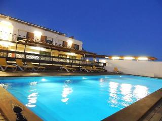 STUDIO DANS RÉSIDENCE PROCHE D'AIX EN PROVENCE - Eguilles vacation rentals