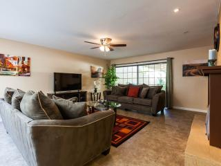 Spacious Townhome with a yard 5 mins to Old Town - Scottsdale vacation rentals
