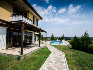Nicodia Estate - Villa A, Perperikon, Haskovo & Kardjali - 20km range - Haskovo vacation rentals