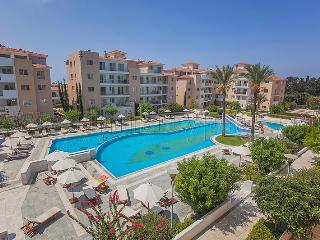 3 Bedroom Apartment in Elysia Park, Paphos - Paphos vacation rentals