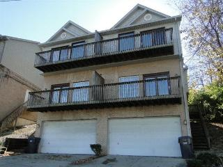 Large Comfortable 3BR/2.5BA Townhouse 3mi Downtown - Covington vacation rentals