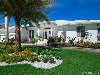BELLA SOLANA - Modern Island Villa on Smokehouse Bay Marco Island! - Marco Island vacation rentals