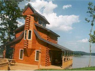 Colucci Log Cabins on the Ohio River, Herons Nest. - Louisville vacation rentals