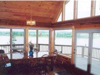 Comfortable 3 bedroom Cabin in Louisville with Deck - Louisville vacation rentals