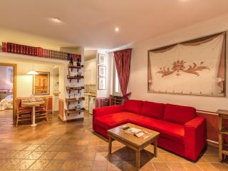 Trevi Fountain Lovely Apartment - Rome vacation rentals