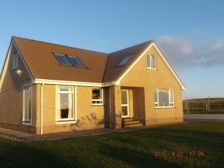 Wonderful 3 bedroom House in Carinish - Carinish vacation rentals