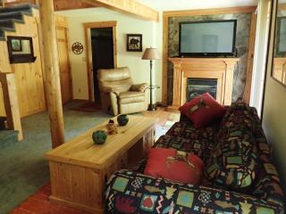 4 bedroom Condo with Short Breaks Allowed in Hidden Valley - Hidden Valley vacation rentals