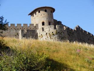 AU PIED DE LA CITE - Carcassonne vacation rentals