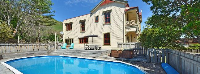 Muritai Manor - Nelson Character Holiday Home with Views, Spa & Pool! - Nelson vacation rentals