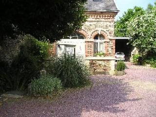 "Cottage ""Le Pigeonnier"" in Normandy - Balleroy vacation rentals"