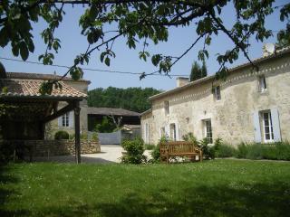 Gîte La Fleur Godard, gîte de charme à St Cibard - Saint-Cibard vacation rentals
