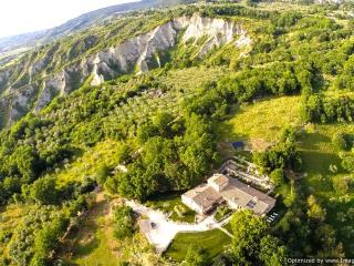 Villa Tiber Villa to let in Umbria, Vacation rental Umbria, Self catered - Guardea vacation rentals