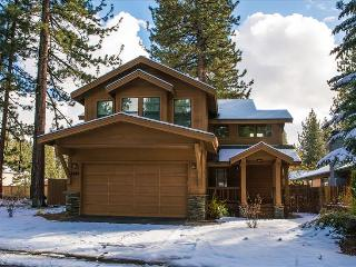 Bluejay Chalet – Cool Tahoe Cabin, Walkable, Grill, Ping Pong, Wifi, Spa - South Lake Tahoe vacation rentals